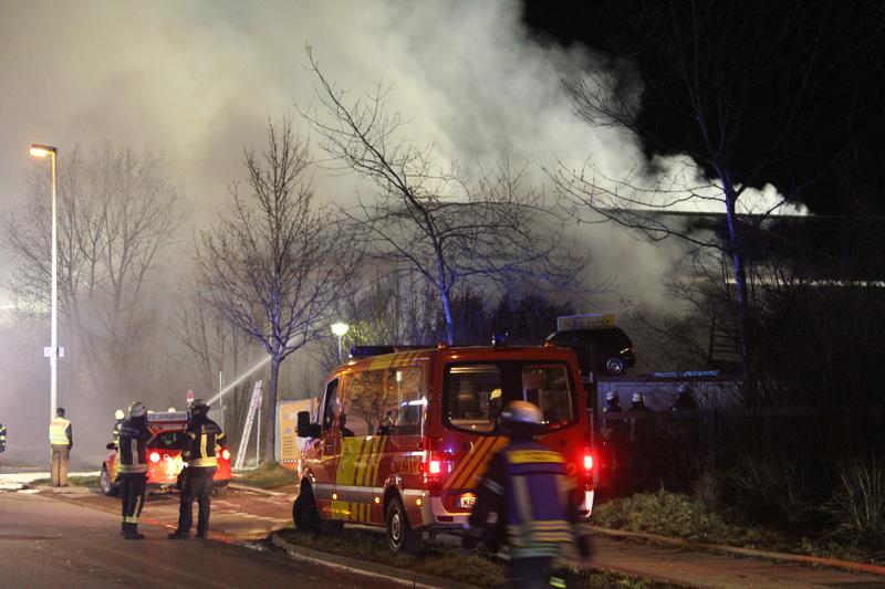 2018-04-02_Kempten_Untrasried_Brand_Lagerhalle_Feuerwehr_0002