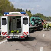 2018-04-24_A96_Aitrach_Memmingen_Lkw_Unfall_Stau_Feuerwehr_0002