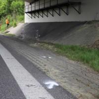 2018-05-03_A96-Wangen_Pkw_Bruecke_schwer_Polizei20180503_0001