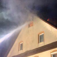 2018-05-30_Biberach_Waldenhofen_Dachstuhlbrand_Feuerwehr_0004