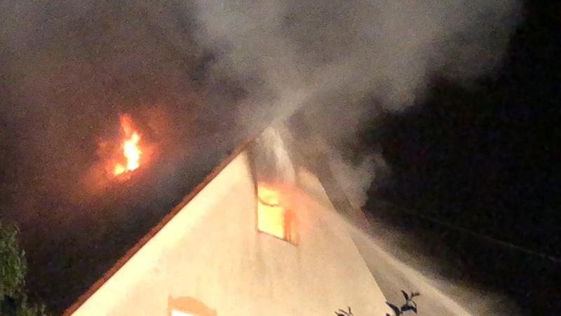 2018-05-30_Biberach_Waldenhofen_Dachstuhlbrand_Feuerwehr_0017