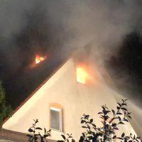 2018-05-30_Biberach_Waldenhofen_Dachstuhlbrand_Feuerwehr_0019