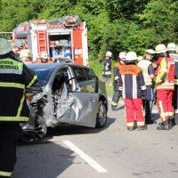 2018-06-22_B300_Heimertingen_Niederrieden_UNfall_Frontal_Feuerwehr_0031