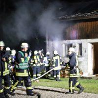 2018-07-11_Biberach_Berkheim_Brand_Stall_Feuerwehr_Poeppel_0003