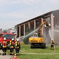 2018-07-22_Biberach_Tannheim_Brand_Heustock_Halle_Feuerwehr_Poeppel_0132
