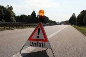2018-0725_A96_Kohlbergtunne_Erkheim_Unfall_Feuerwehr_0002