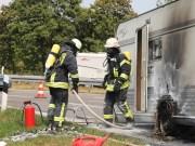 2018-08-03_A7_Raststaette-Illertal_Brand-Wohnwagen_Feuerwehr_0003