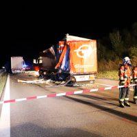 2018-08-27_A96_Leutkirch_Lkw-Unfall_Gefahrgut_Feuerwehr_00001