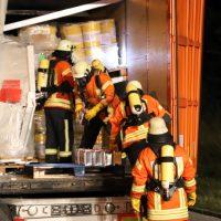 2018-08-27_A96_Leutkirch_Lkw-Unfall_Gefahrgut_Feuerwehr_00071
