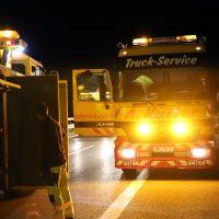 2018-08-27_A96_Leutkirch_Lkw-Unfall_Gefahrgut_Feuerwehr_00075