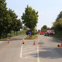 Unfall Mindelheim Gernstall Cabrio Kleinlaster gerammt Bringezu 03.08 (11)