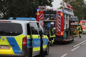 2018-09-01_B312_Ochsenhausen_Unfall_Feuerwehr_00010