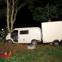 2018-09-10_A7_Memmingen_Woringen_Unfall_Lieferwagen_Baum-Feuerwehr_00002