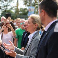 2018-09-15_Guenzburg_Breitenthal_AfD-Wahlveranstaltun_Polizei_00033