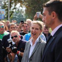 2018-09-15_Guenzburg_Breitenthal_AfD-Wahlveranstaltun_Polizei_00039
