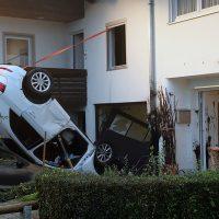 2018-09-16_Ostallgaeu_Stetten-Auerberg_Unfall_Pkw-Wohnhaus_Feuerwehr_00007