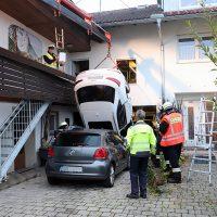 2018-09-16_Ostallgaeu_Stetten-Auerberg_Unfall_Pkw-Wohnhaus_Feuerwehr_00014