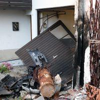 2018-09-16_Ostallgaeu_Stetten-Auerberg_Unfall_Pkw-Wohnhaus_Feuerwehr_00019