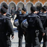 2018-09-30_Unterallgaeu_Ottobeuren_AFD_Bunt_DEMO_Polizei_00090