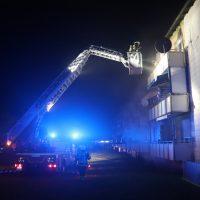2018-10-11_Memmingen_Mehrfamilienhaus_Kellerbrand_Feuerwehr_Poeppel20181011_0005