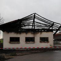87674 Ruderatshofen, Poststr. 7 Brand einer landwirtschaftlichen Halle (1)
