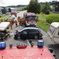 2019-08-10_B30_Biberach_Oberessedorf_Frontalzusammenstoss_toedlich_Unfall_Feuerwehr_Poeppel_0025