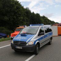 2019-08-15_A96_Aichstetten_Leutkirch_Unfall_Autobahnstrassenmeisterei_Feuerwehr_Poeppel_0014
