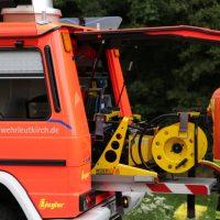 2019-08-15_A96_Aichstetten_Leutkirch_Unfall_Autobahnstrassenmeisterei_Feuerwehr_Poeppel_0021
