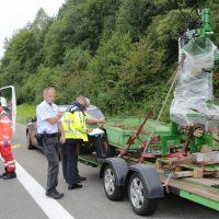 2019-08-15_A96_Aichstetten_Leutkirch_Unfall_Autobahnstrassenmeisterei_Feuerwehr_Poeppel_0030