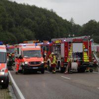 2019-08-15_B19_Kempten_Waltenhofen_Hegge_Unfall_frontal_Feuerwehr_Poeppel_0005