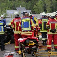 2019-08-15_B19_Kempten_Waltenhofen_Hegge_Unfall_frontal_Feuerwehr_Poeppel_0015