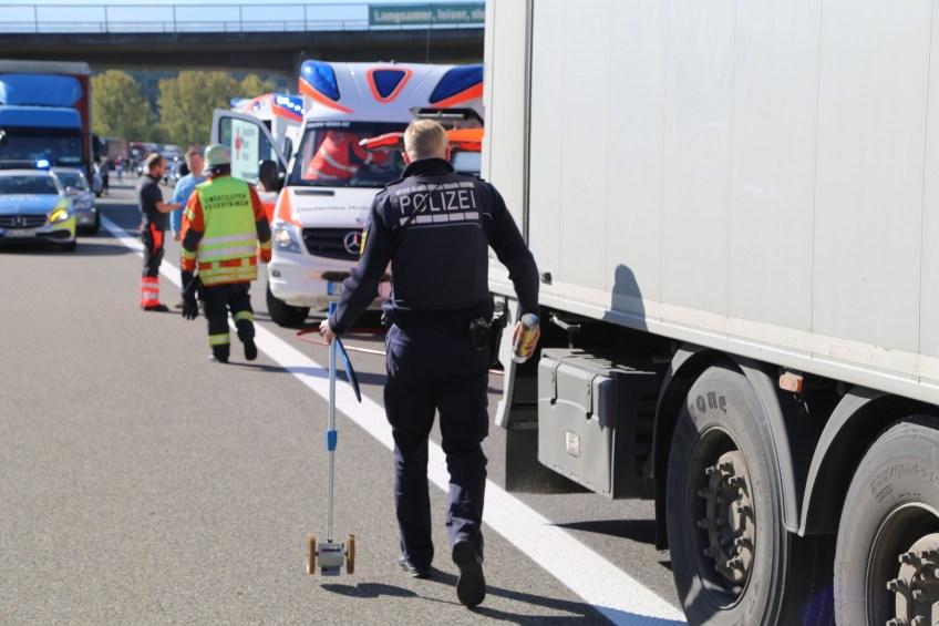 A96_Aichstetten_Aitrach_Unfall_Lkw-Pkw_Feuerwehr_Poeppel_0012