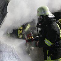 2019-12-04_Memmingen-Steinheim_MN30_Transporter_Brand_FeuerwehrIMG_2246