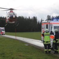 2019-12-07_Bad-Wurzach_L265_Unfall_Feuerwehr_Rettungshubschrauber_PoeppelIMG_2369