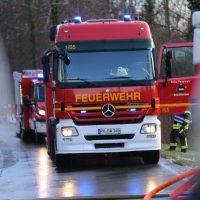 2019-12-10_B30_Ravensburg_Enzisreute_Baindt_Lkw-Unfall-Gefahrgut_Feuerwehr_PoeppelIMG_2446