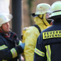 2019-12-10_B30_Ravensburg_Enzisreute_Baindt_Lkw-Unfall-Gefahrgut_Feuerwehr_PoeppelIMG_2494