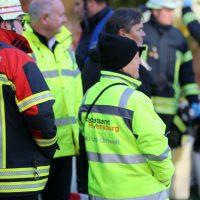 2019-12-10_B30_Ravensburg_Enzisreute_Baindt_Lkw-Unfall-Gefahrgut_Feuerwehr_PoeppelIMG_2516