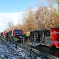2019-12-10_B30_Ravensburg_Enzisreute_Baindt_Lkw-Unfall-Gefahrgut_Feuerwehr_PoeppelIMG_2520