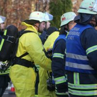 2019-12-10_B30_Ravensburg_Enzisreute_Baindt_Lkw-Unfall-Gefahrgut_Feuerwehr_PoeppelIMG_2529