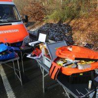2019-12-10_B30_Ravensburg_Enzisreute_Baindt_Lkw-Unfall-Gefahrgut_Feuerwehr_PoeppelIMG_2537