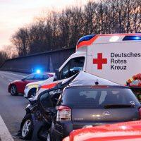 2020-02-25_A96_Leutkirch_Aichstetten_Lkw_Pkw_Feuerwehr_BX4A3095