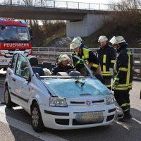 2020-02-26_A96_Stetten_Erkheim_Unfall_Feuerwehr_Bringezu (16)