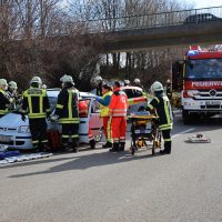 2020-02-26_A96_Stetten_Erkheim_Unfall_Feuerwehr_Bringezu (4)
