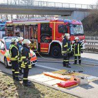 2020-02-26_A96_Stetten_Erkheim_Unfall_Feuerwehr_Bringezu (9)