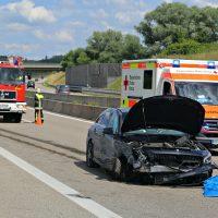 2020-07-04_A96_Erkheim_Holzguenz_Unfall_Feuerwehr_IMG_7123