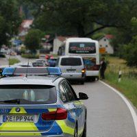 2020-07-06_Oberguenzburg_Ostallgaeu_Linienbus_Schwerverletzte_Frau_Rettunshubschrauber_Polizei_Poeppel_IMG_7141
