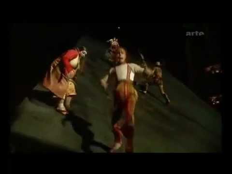 Kà verticaal stage by Cirque Du Soleil