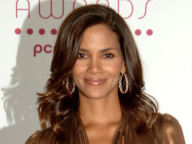 Get Flawless Skin Like Halle Berry'S featured image
