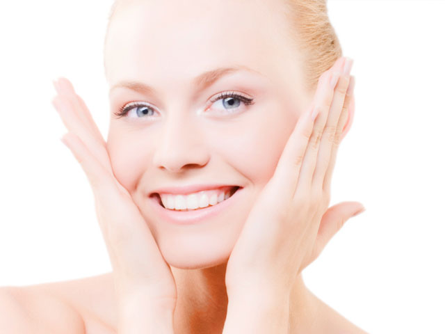 Do Women With Oily Skin Age Better? featured image