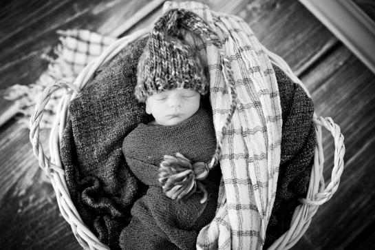 Neugeborenenfotograf in Wien Newborn Babyfotograf orangefoto kinderkram Wien